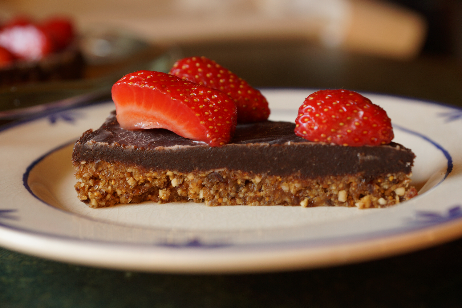 Raw Vegn Chocolate Straberry Birthday Cake