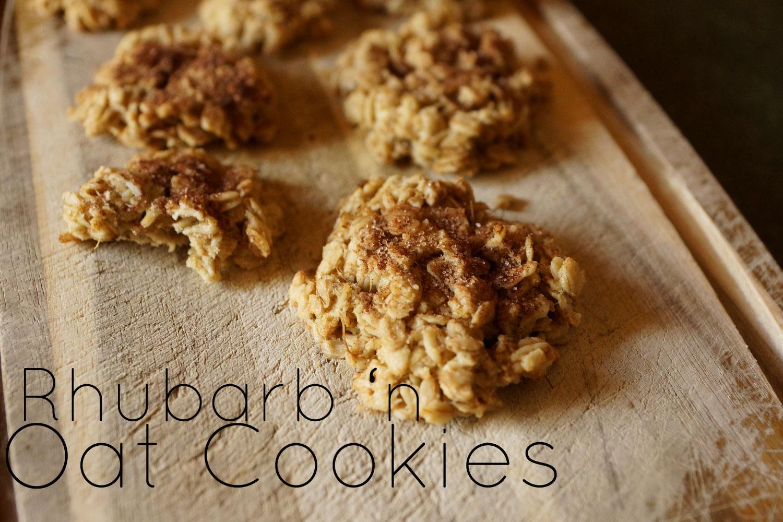 Rhubarb and Oat Cookies | Rhabarber- und Haferflockenkekse
