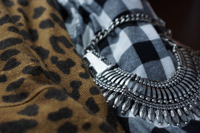 H&M / Silver Necklace / Plaid / Leopard