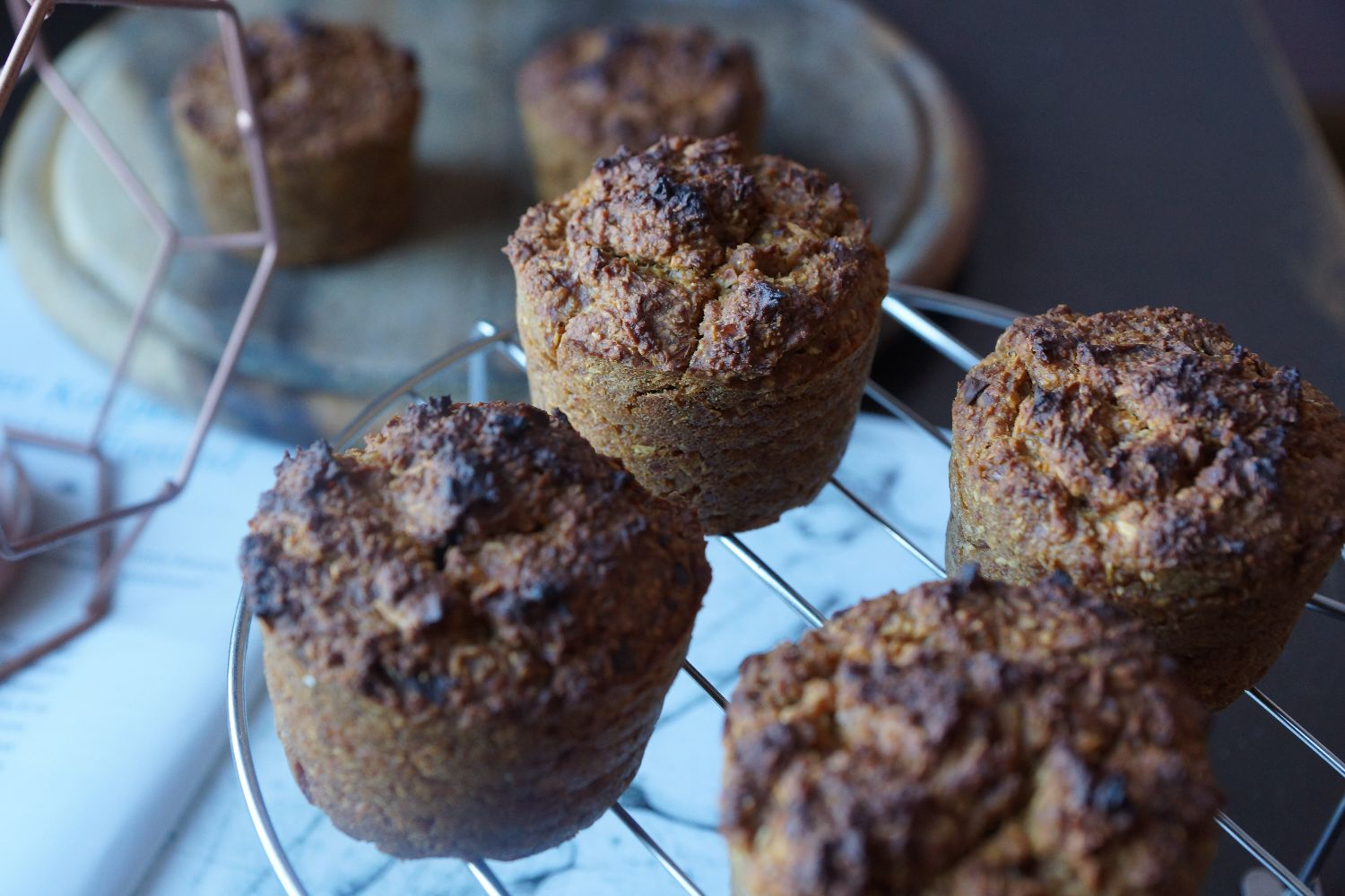 apple muffins with a chocolate center | apfelmuffins mit schokoladenkern